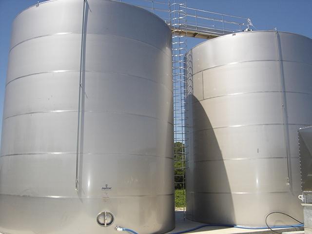 Gua reservat rio em a o inox de 100 mil litros for Tanque hidroneumatico 100 litros